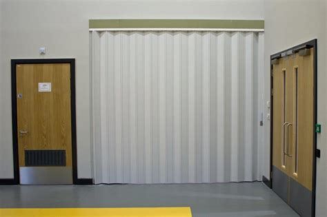 folding room doors spazio doors wood veneered folding doors quot quot sc quot 1 quot st quot quot pezcame