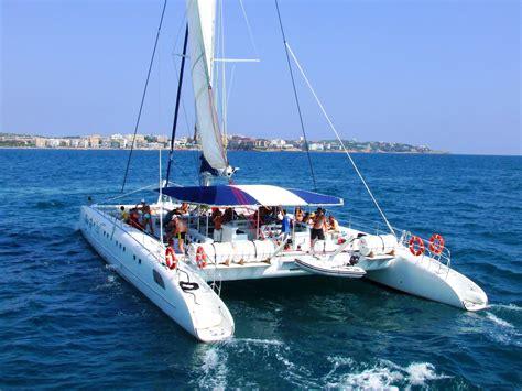 catamaran boat trip salou relax catamaran 3 hours 10am 13pm creuers costa daurada