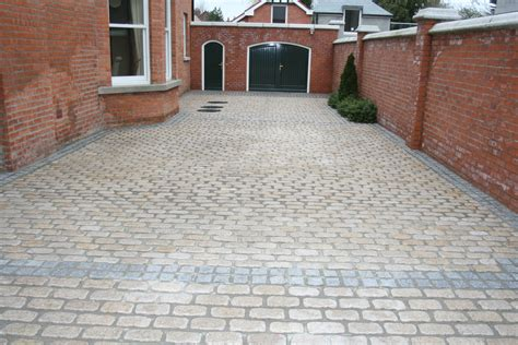Putting In Pavers Patio Driveway Paving Contractors Appealing Driveway Pavers Installation Great Putting Pavers