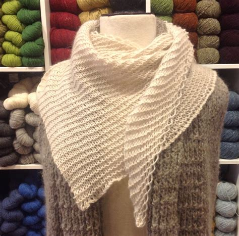 three bags knitting studio basic wedge shawl free pattern three bags yarn