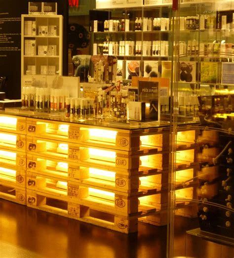 paletten bar pallet bar wedding ideas