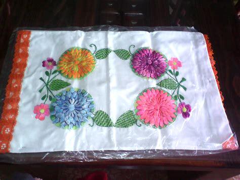 almohadas grandes bordados y puntillas de miky ru