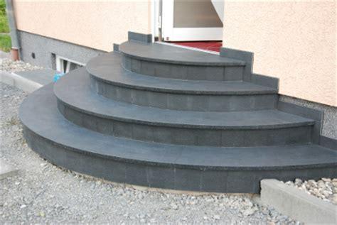 treppenstufen beton außen treppe idee stein home design ideen
