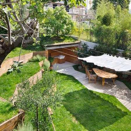 giardino terrazzato da cortile abbandonato a giardino terrazzato l oasi verde