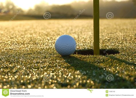 this closest closest to the pin stock photo cartoondealer 19500804