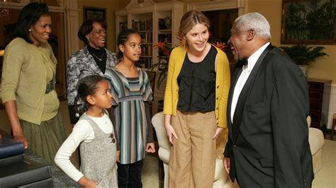 white house tours obama jenna bush hager shares rare photos of obama daughters