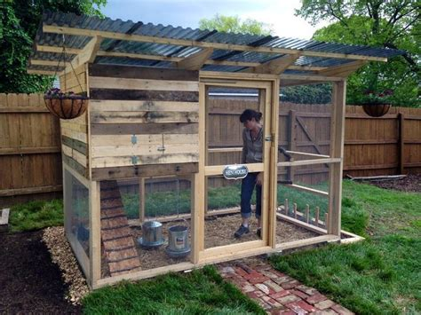 woodworking coop chicken coops made from pallets recycled things
