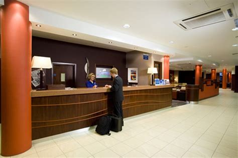 discount rates at inn express dublin airport ireland