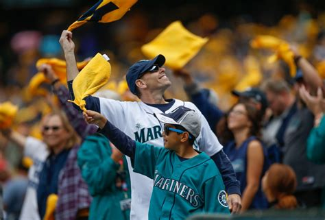 seattle mariners fan seattle mariners fans seattle mariners