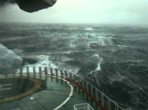 Meter Wave 100 10 meter high waves in the sea on sub sea 7
