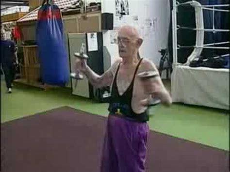 oldest boxer 83 year boxer broadbandtv