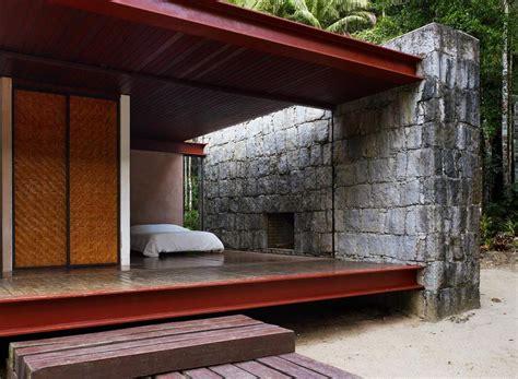 gallery casa rio bonito a modern cabin in the brazilian rainforest carla jua 231 aba small gallery casa rio bonito a modern cabin in the brazilian