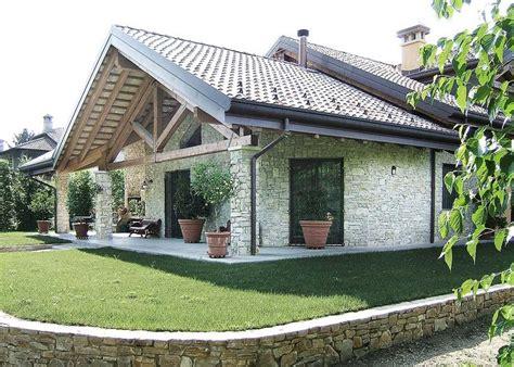 rivestimento tetto in legno pi 249 di 25 fantastiche idee su in pietra su