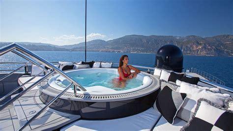 Yacht De Luxe Interieur 4726 by Okto Yacht Le Luxe Pour 59 500 000 Euros