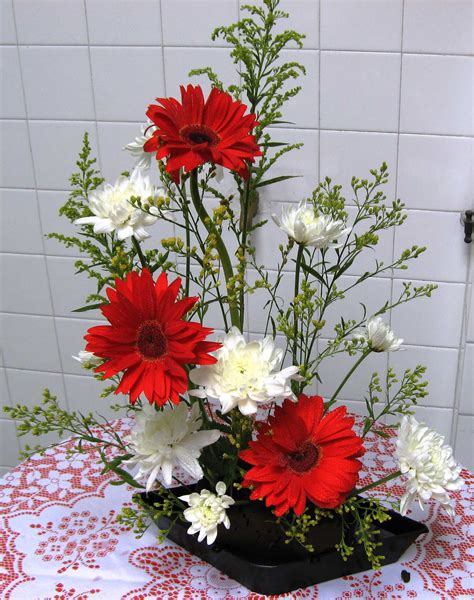 flower arrangements pictures the art of flower arrangement and the beauty of it bored art
