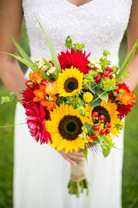Flower Flowers Wedding by 22 Cheery Sunflower Wedding Bouquets Mon Cheri Bridals