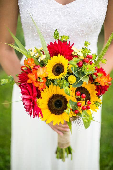 Sunflower Arrangements For Weddings by 22 Cheery Sunflower Wedding Bouquets Mon Cheri Bridals