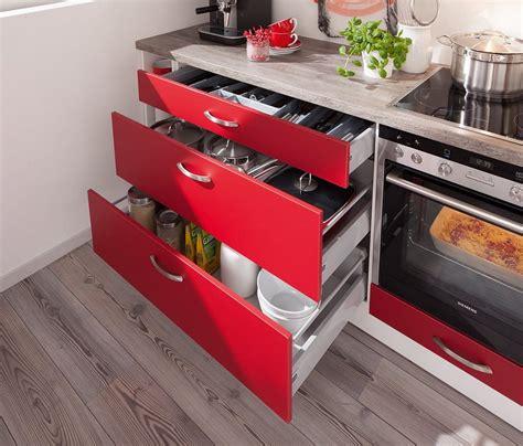alter küchenschrank kreative gestaltungsideen aus alter bettw 228 sche oder bettlacken