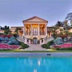 dreamhomes us 54 stunning dream homes mega mansions from social media