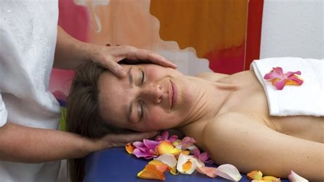 what to expect from a lomi lomi massage angie s list