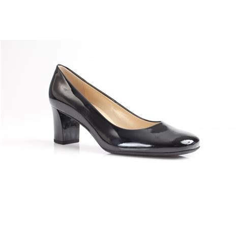 kaiser plata black patent leather court shoe with