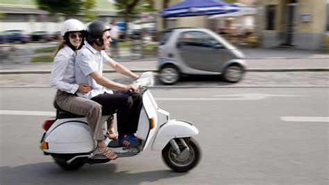 ab wann darf moped fahren motorroller frisieren diese strafen drohen tunern