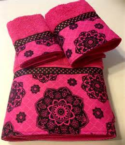 pink and black bath towels fuschia black bath towel set sale by ladydiblankets on etsy