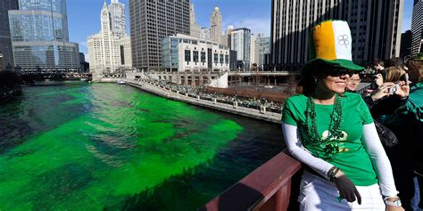 chicago river st s day history meet the family that dyes the chicago river green for st s day