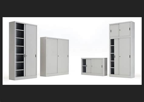 attraente Montaggio Mobili Ikea Roma #1: Armadi-ufficio-e-sopralzi-ante-scorrevoli.jpg