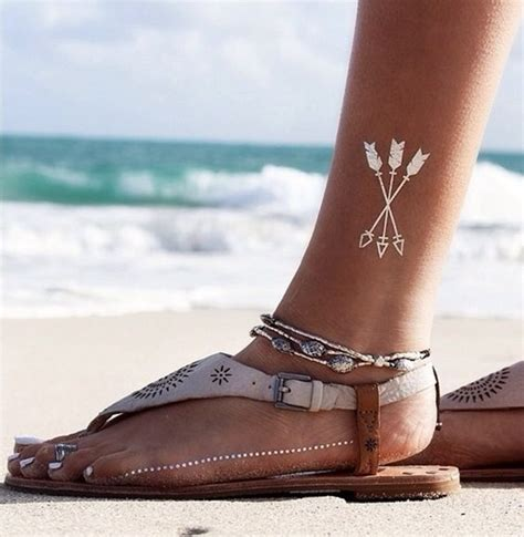 Temporary Tatto 16 40 temporary metallic tattoos that are in trend