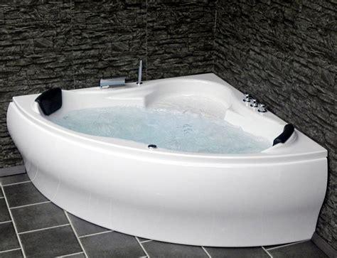 badewanne beleuchtung whirlpool badewanne eckwanne mit 8 d 252 sen