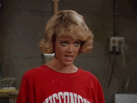 lisa robin kelly that 70s show laurie quot hanging out quot eleven things we learned from that 70 s