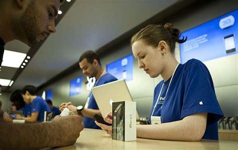 apple employee apple inc releases employee diversity statistics report