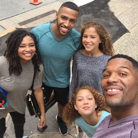 michael strahans daughter sophia strahan meet good morning america s star michael strahan and his