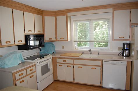 kitchen cabinets reface or replace kitchen cabinets reface or replace