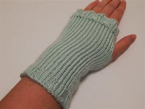 loom knitting fingerless gloves jovial knits loom knit fingerless gloves shizknit