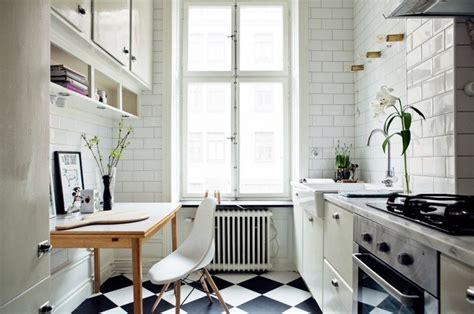 carrelage cuisine blanc carrelage damier noir et blanc cuisine 2 un carrelage