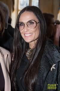 demi moore supports designer alber elbaz during award