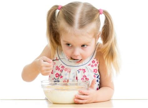 eating cereal before bed deceiving breakfast for your toddler rethink before giving