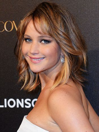show me what a lob hair cut looks like jennifer lawrence quot lob quot hairstyle how to rock the cropped