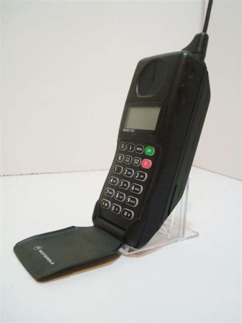 motorola mobile phones motorola microtac 9800x the flip phone do you