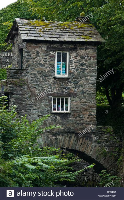 buy house lake district little house on a bridge in ambleside lake district england stock photo royalty