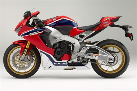cbr1000rr 2017 honda cbr1000rr sp and sp2 look 18 fast facts