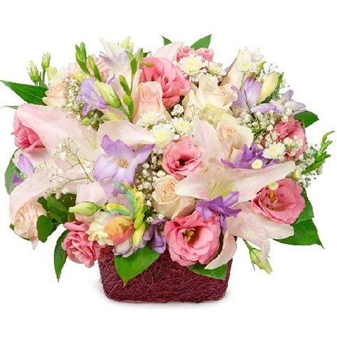 cesti di fiori cesto primavera spediamo fiori dolci e regali a domicilio