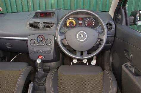 renault clio 2007 interior renault clio renaultsport 2006 2012 interior autocar