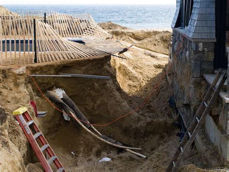 Chappaquiddick Erosion The Vineyard Gazette Martha S Vineyard News Approval Granted Work Begins To Relocate