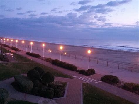 comfort inn oceanfront va beach beach view from balcony early in the morning picture of