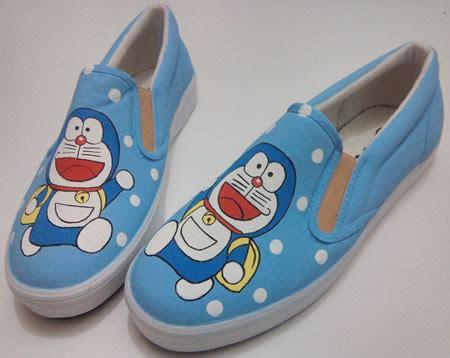Boot Doraemon Murah sepatu lukis murah yang bisa kamu kresikan sendiri dengan harga mulai 80 000 an