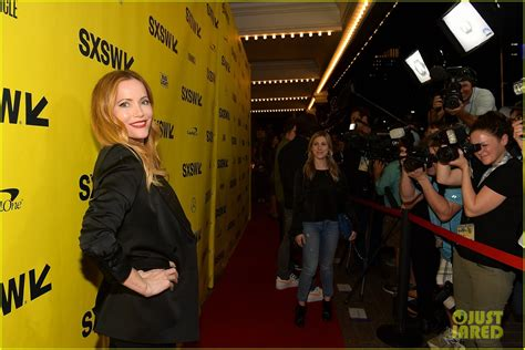 Blockers Premiere Leslie Mann Judd Apatow Are Joined By Daughters At Blockers Premiere Photo 4048903 Iris