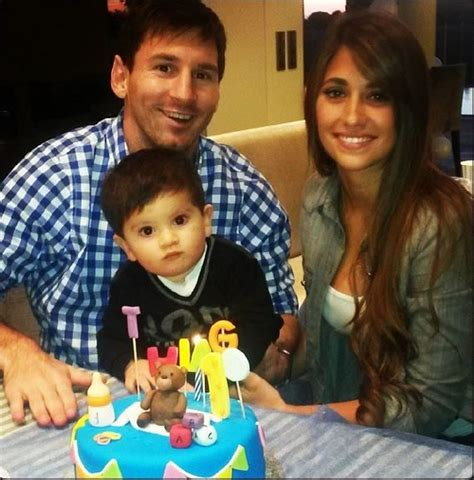 lionel messi family biography antonella roccuzzo lionel messi s wife bio wiki